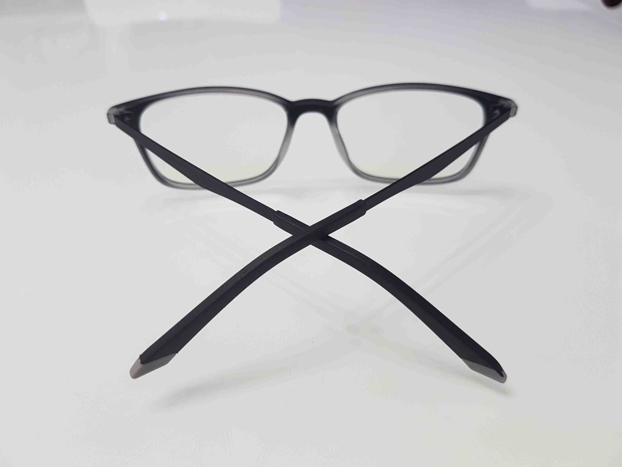 kính bảo vệ mắt người dùng máy tính