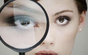 Cách kiểm tra mắt có mắc tật khúc xạ hay không