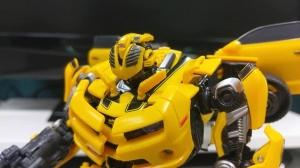 Mô hình cỡ lớn Bumble Bee Masterpiece bản nội địa Nhật (3C)