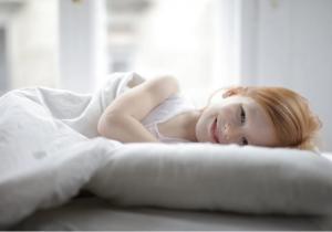 Những điều cần biết về ảnh hưởng của ánh sáng xanh tới sức khỏe và giấc ngủ của trẻ em