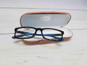 Tròng kính chống ánh sáng xanh có tốt cho đôi mắt bạn?